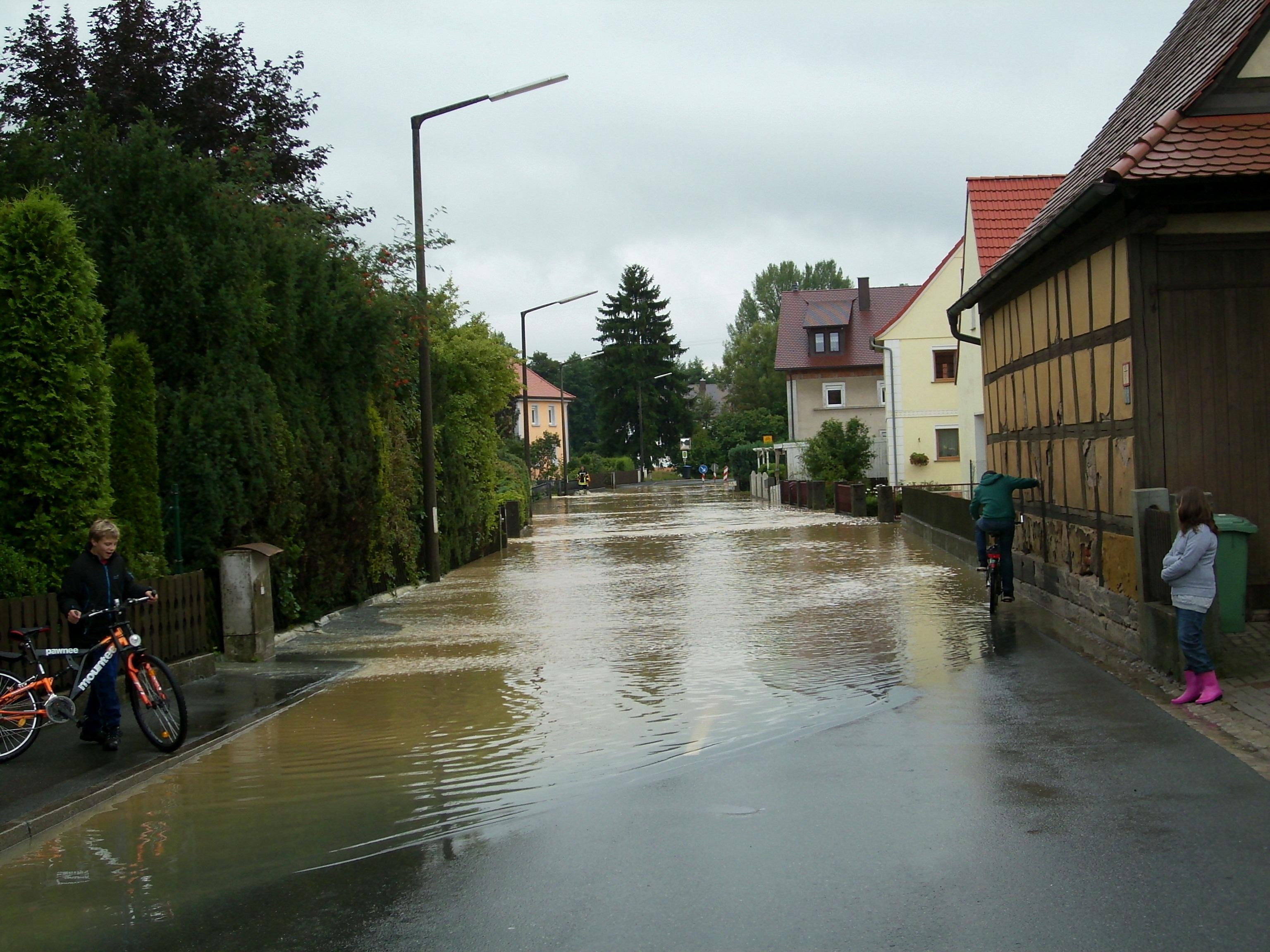 APLC-Flood-water-Wehandleinsuranceclaims.com